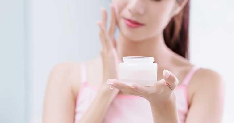10 Step Korean Skin Care Routine | Moisturizer