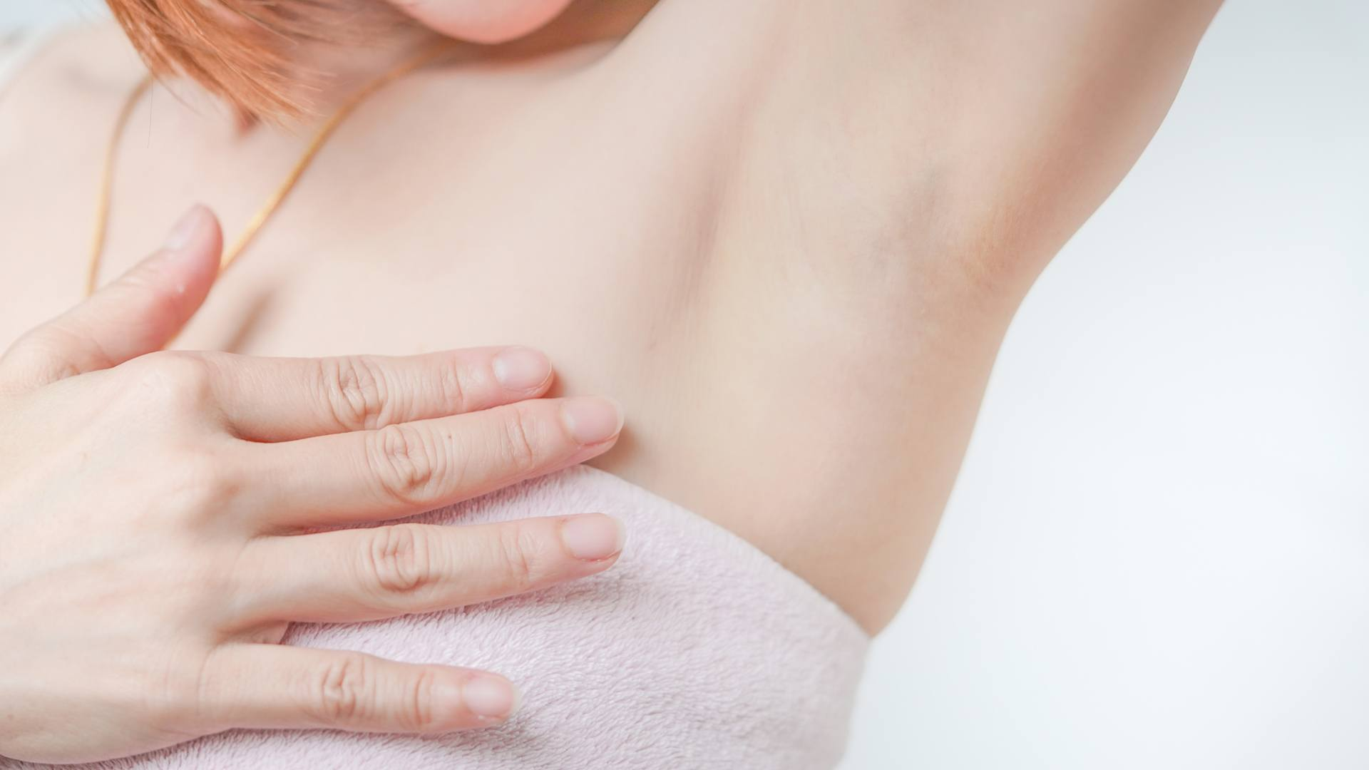 3. Dead skin buildup can cause discolored armpits